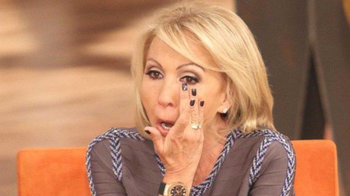 Se acaba el programa de la señorita Laura en Televisa, ¿y?